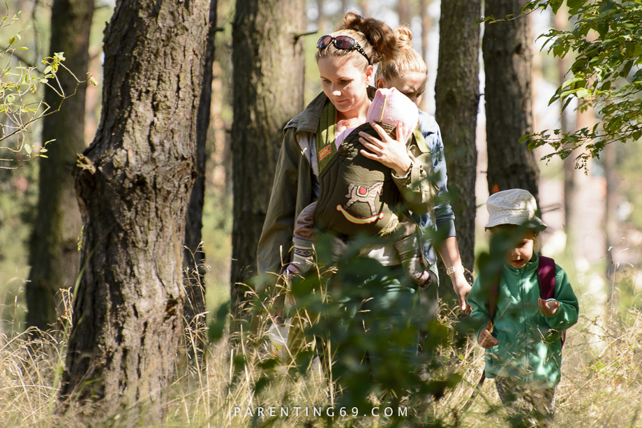 forest-walk-with-children-2