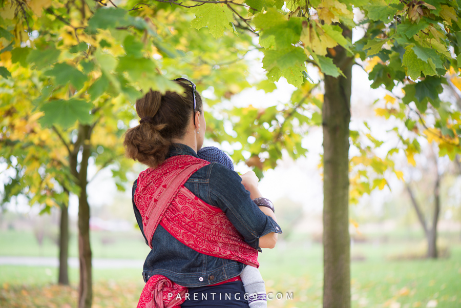 babywearing-wrap-oscha-slings-roses-aphrodite-red-114
