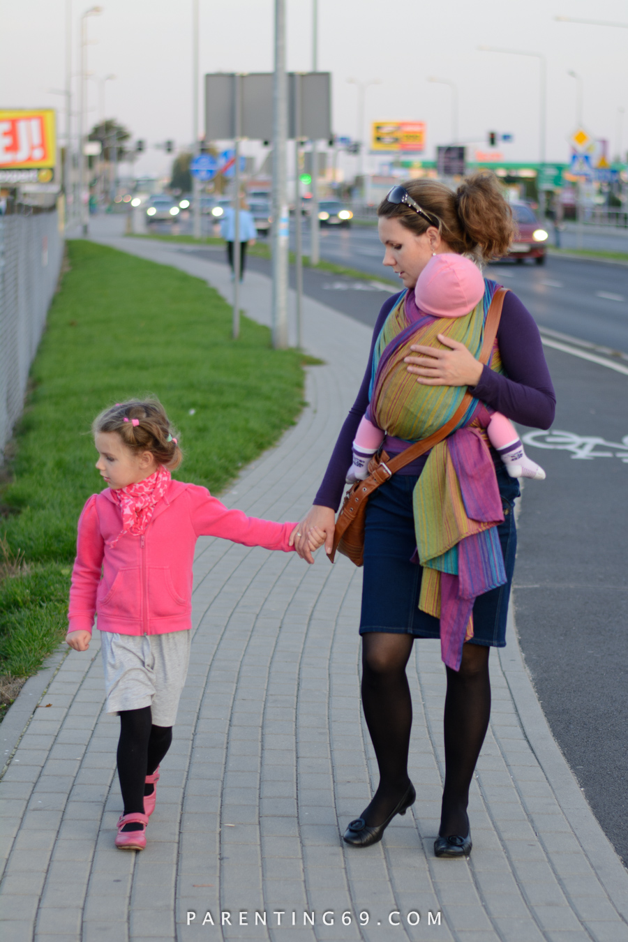 babywearing-wrap-pellicano-mauris-street-photo-102