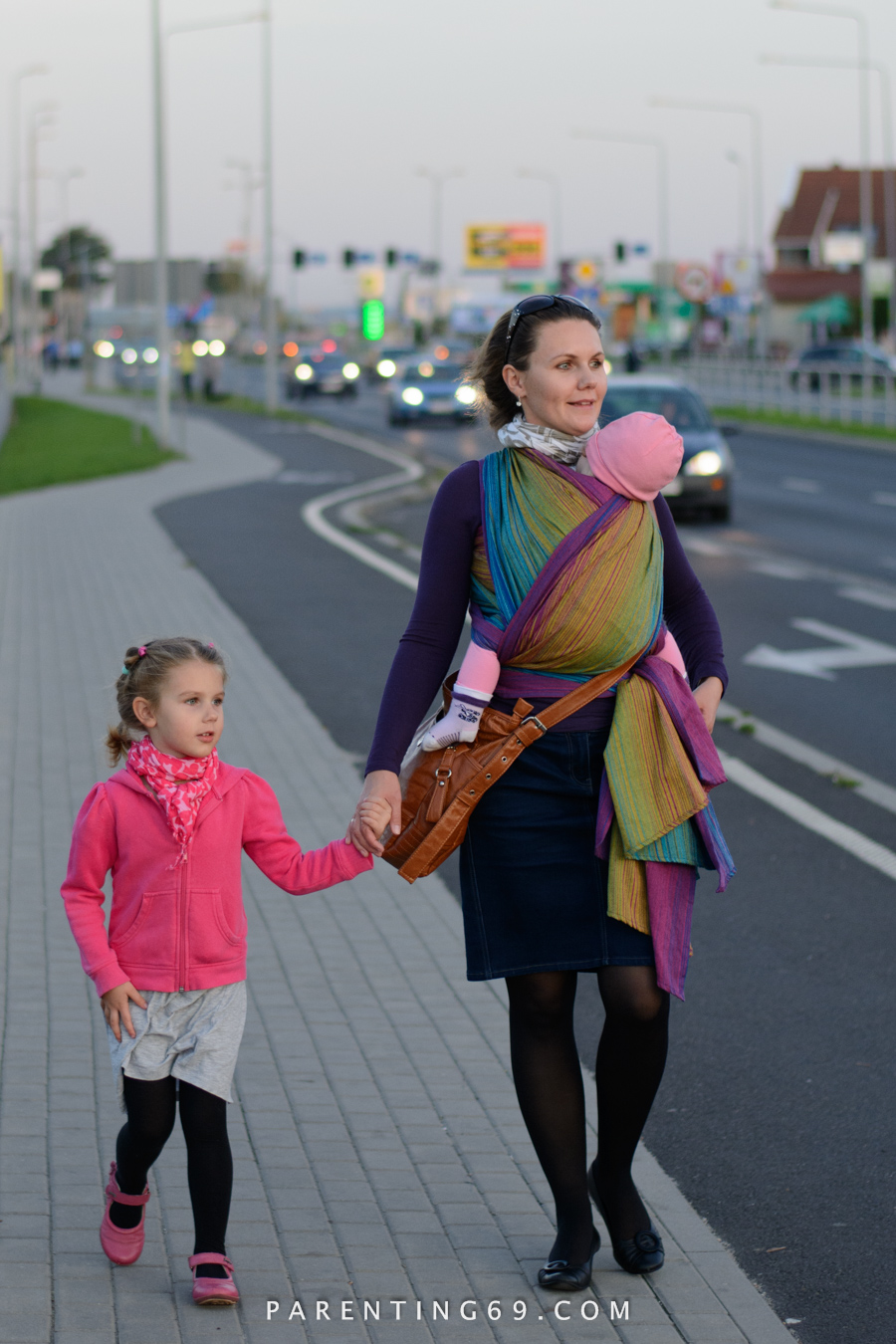 babywearing-wrap-pellicano-mauris-street-photo-103