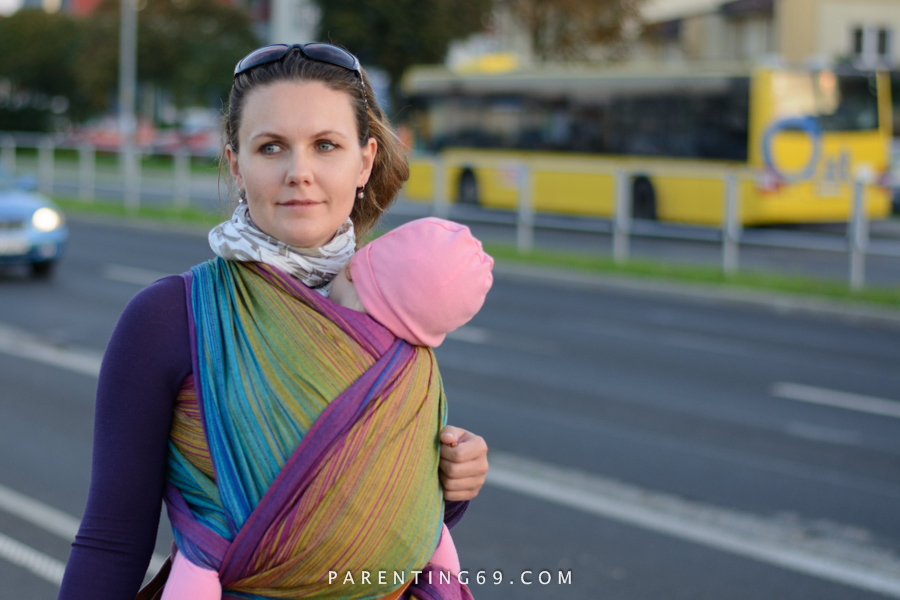 babywearing-wrap-pellicano-mauris-street-photo-104