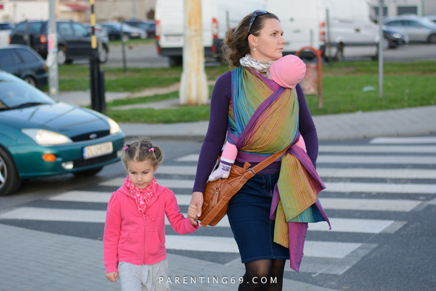 babywearing-wrap-pellicano-mauris-street-photo-105