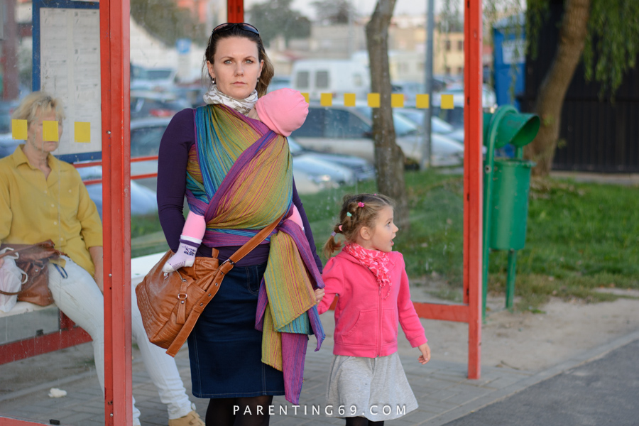 babywearing-wrap-pellicano-mauris-street-photo-108