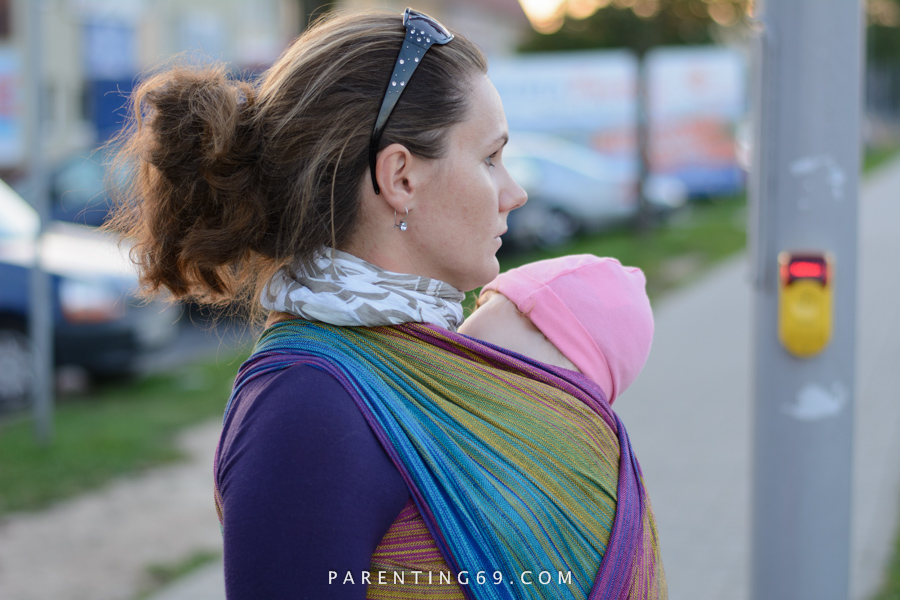 babywearing-wrap-pellicano-mauris-street-photo-111