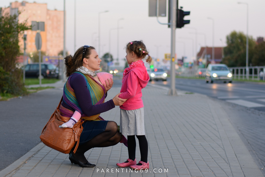 babywearing-wrap-pellicano-mauris-street-photo-113