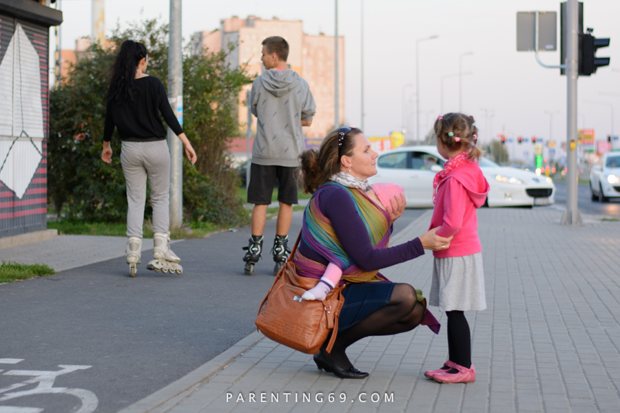 babywearing-wrap-pellicano-mauris-street-photo-114