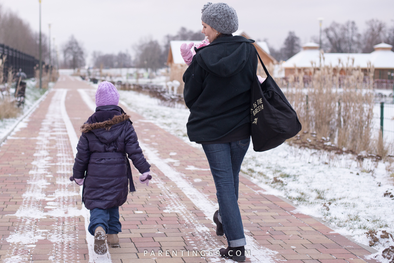 babywearing-coat-jacket-101