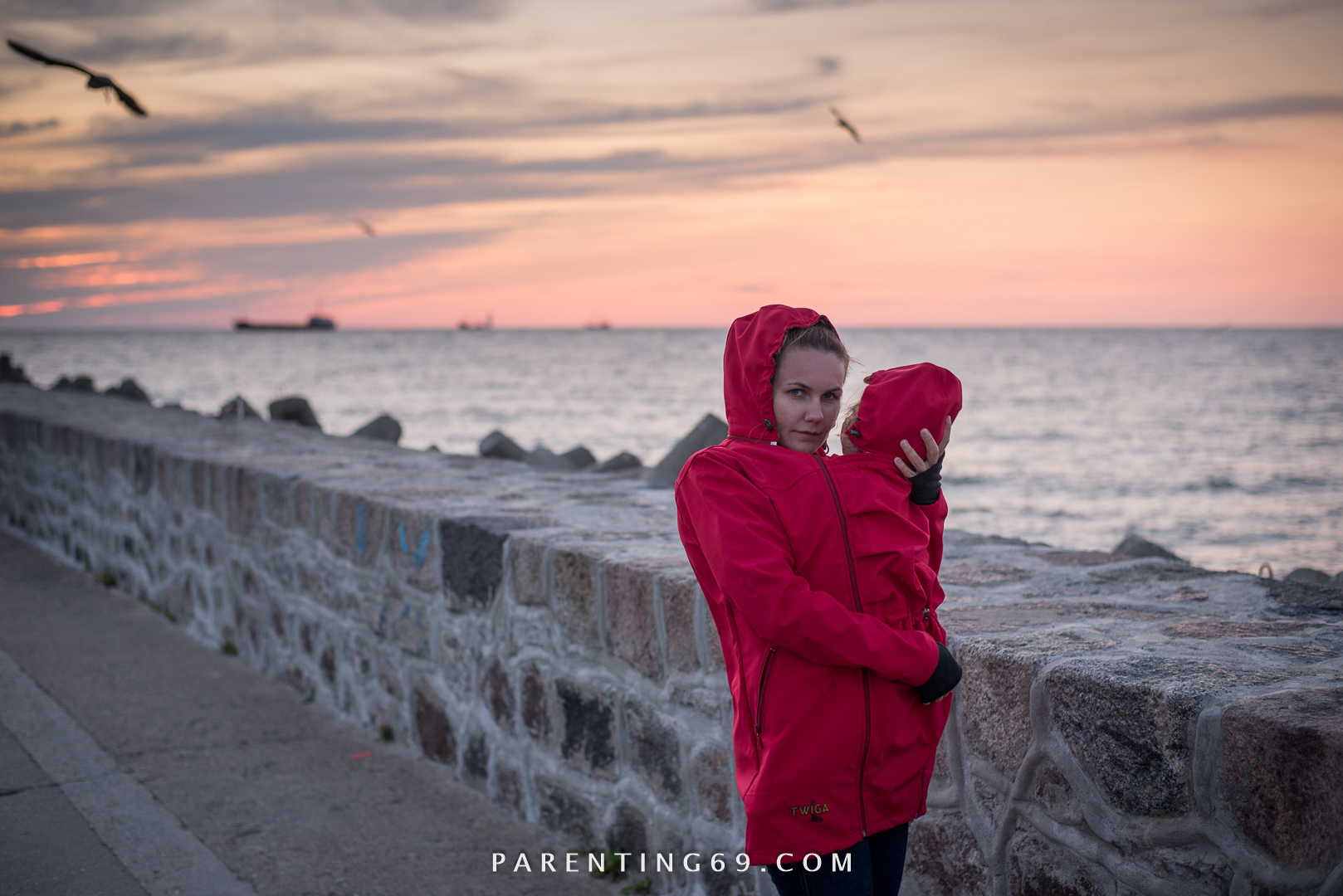 DSC_1639-twiga-babywearing-coat-for-two-red-softshell