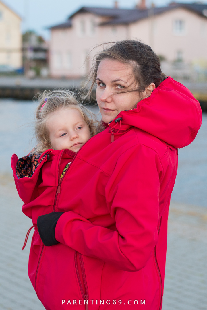 DSC_1689-twiga-babywearing-coat-for-two-red-softshell