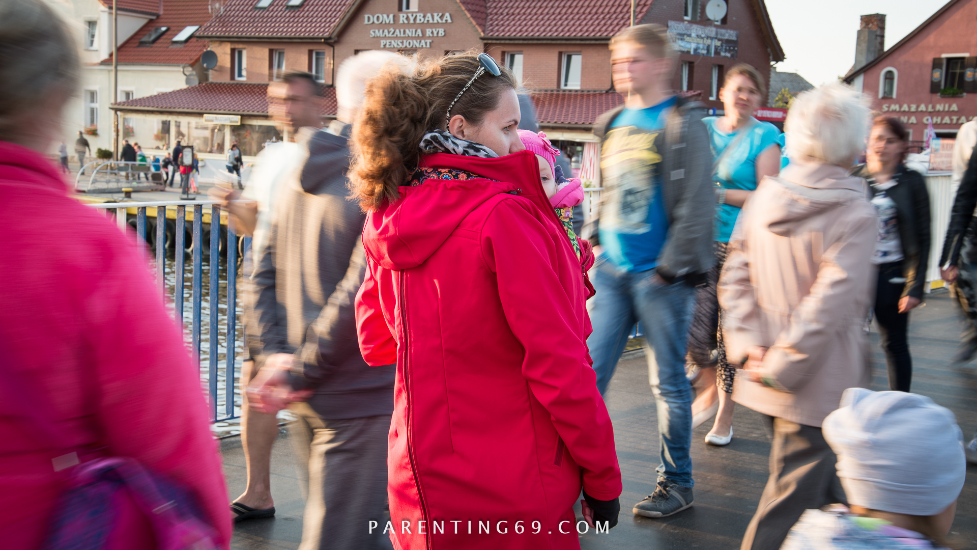 DSC_1719-twiga-babywearing-coat-for-two-red-softshell